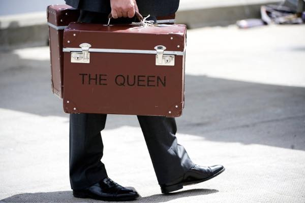 The-Queens-Globe-Trotter2